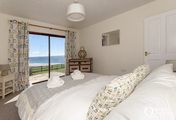 Newgale beach holiday home - double with sea views through picture window