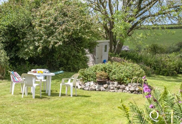 Lower House Treffynnon - gardens