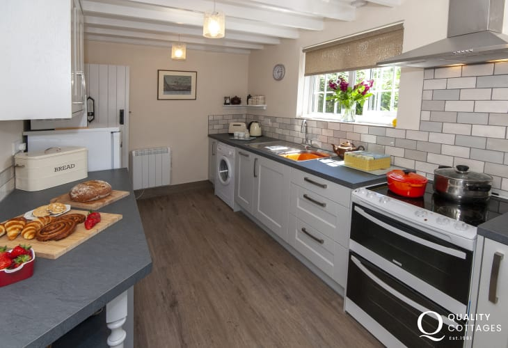Self catering North Pembrokeshire - modern galley style fitted kitchen