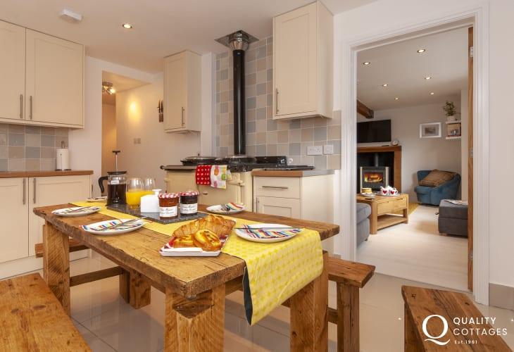 Self catering Solva cottage with modern spacious kitchen/diner
