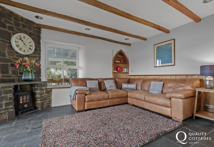 Comfortable lounge with corner sofa at Stumpy Corner