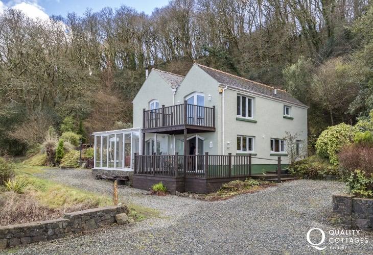 Stumpy Corner - comfortable cottage in peaceful location