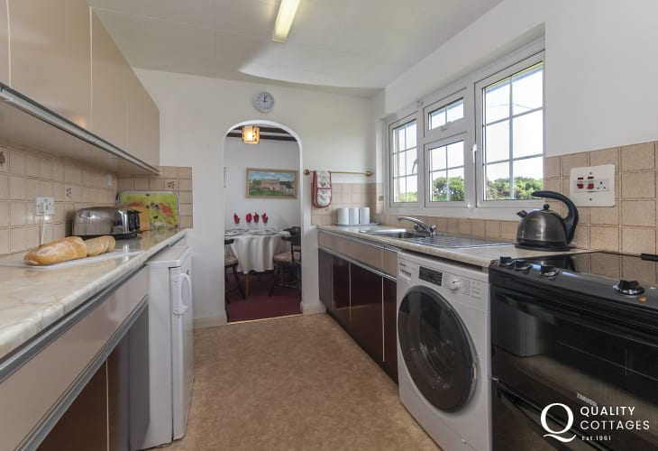 Self catering Pembrokeshire cottage - galley style fitted kitchen/diner