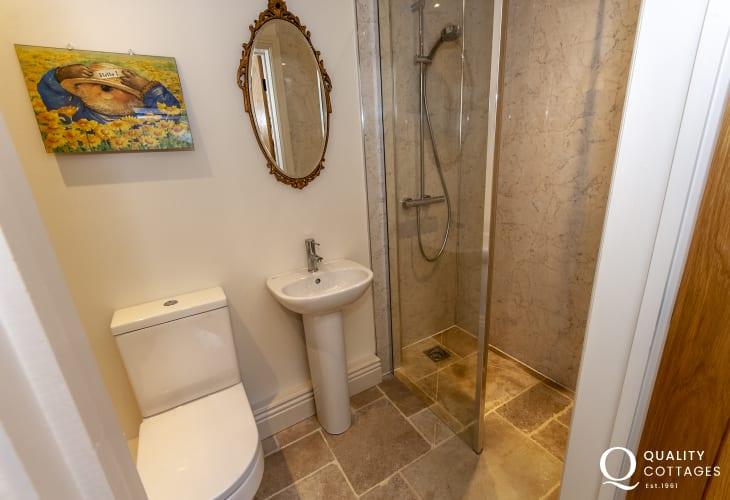 Ground floor shower/cloakroom