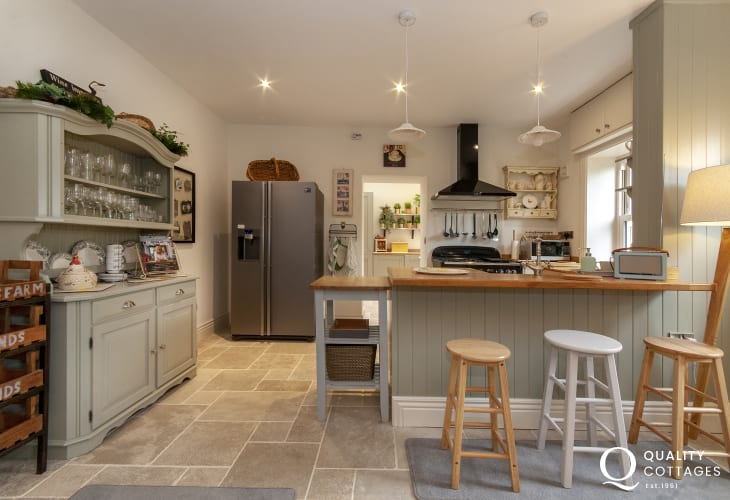 South Pembrokeshire self-catering riverside holiday home - open plan luxury kitchen/diner