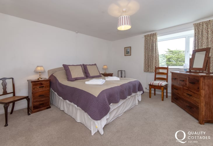 Pembrokeshire family holiday house - double bedroom