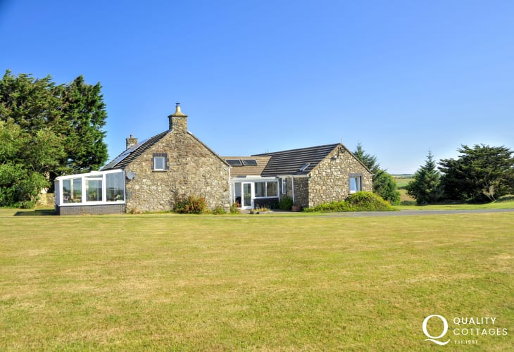 Pet free Solva spacious barn conversion with large lawn gardens