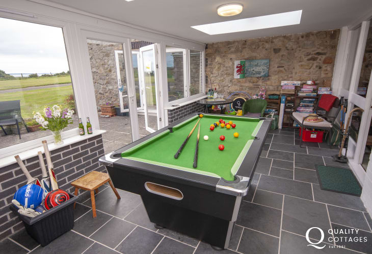 Solva family holiday barn with games room -  pool table and lots of garden games for everyone