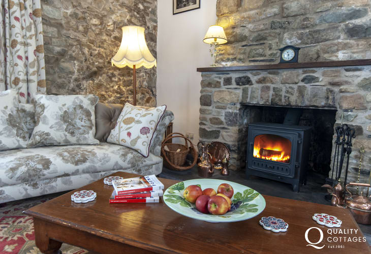 Relax and enjoy family gatherings in this lovely Solva holiday home