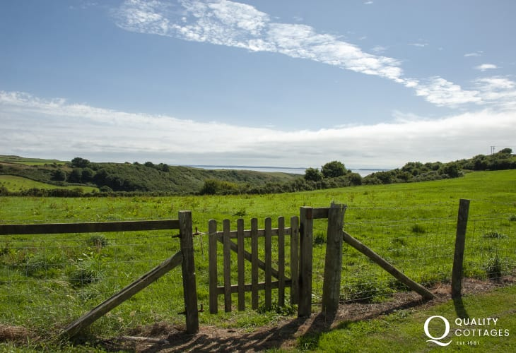 Solva holiday home with views to the sea and Pembrokeshire Coast Path