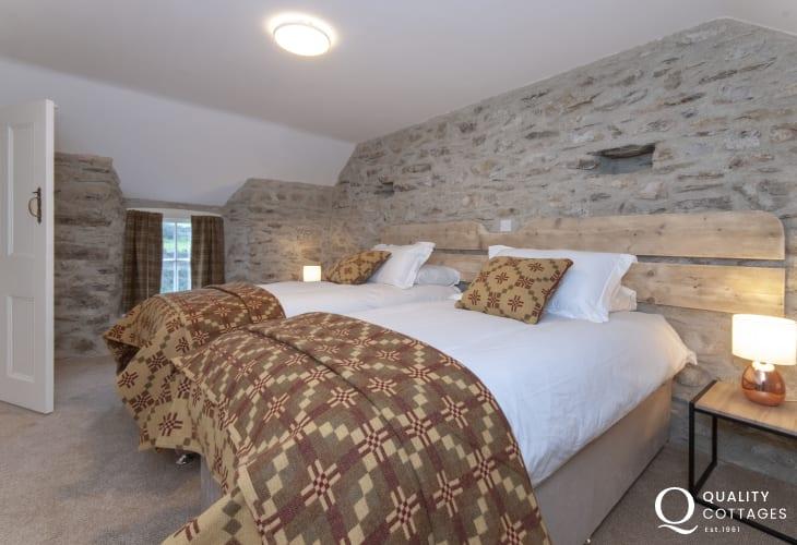 St David's Peninsula holiday cottage sleeps 8 - twin bedroom