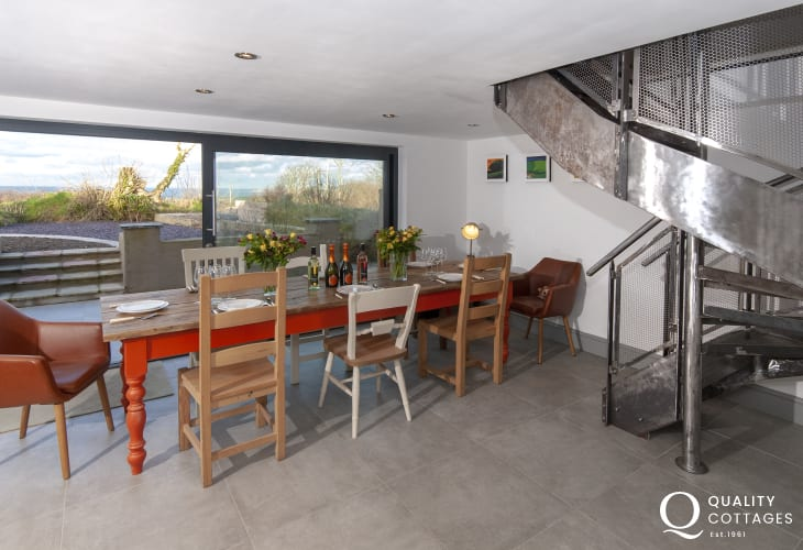 Abermawr holiday cottage with spacious open plan kitchen/living/dining room