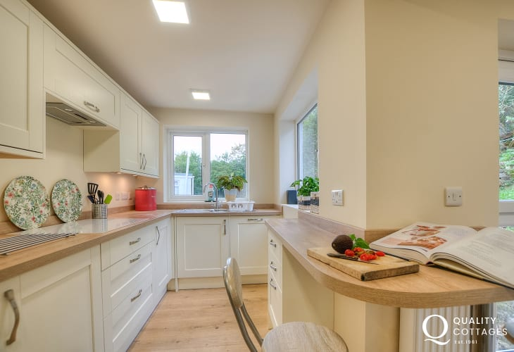 Anglesey cottage by the sea  - kitchen