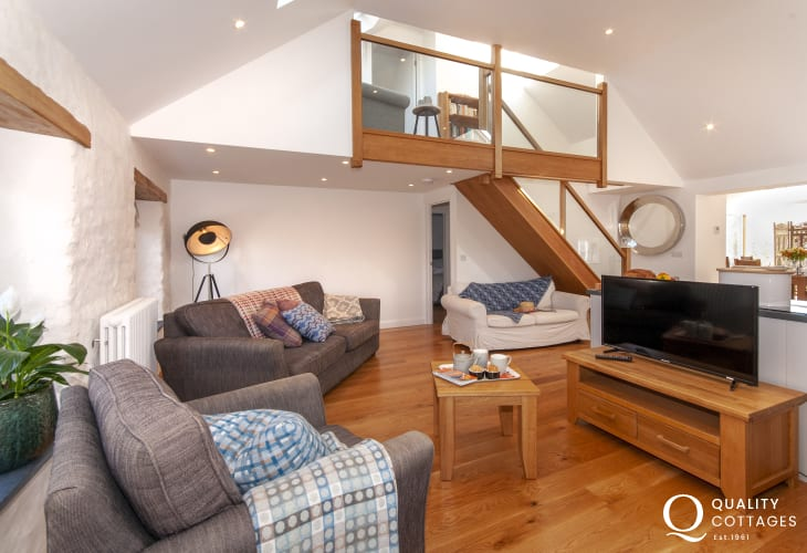 Abereiddy holiday home with wifi and comfortable spacious /kitchen/diner/living room