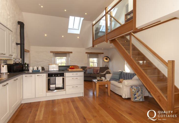 Self catering Porthgain -  modern open plan kitchen/living room