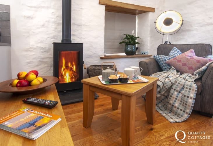 Porthgain - luxury holiday home with wood burning stove