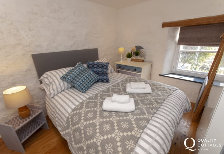 Porthgain holiday home sleeps 6 - double