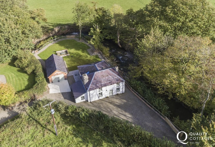 Aerial view of classic country cottage sleeps five