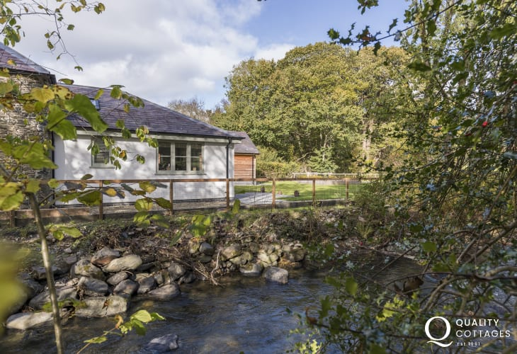 Cottage holiday in the wooded valley of Aeron