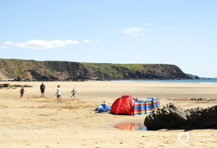 Marloes Sands (N.T) - a huge beach