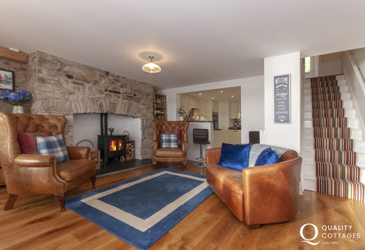 Luxury Pembrokeshire holiday cottage near the coast with wood burning stove