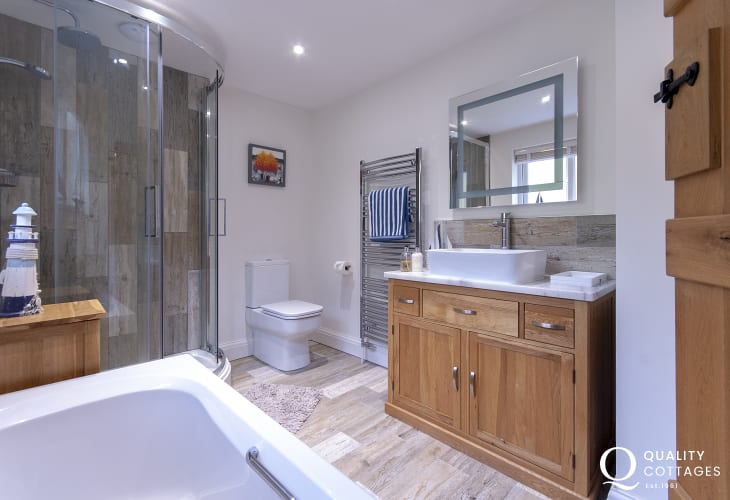 Pembrokeshire holiday home - family bathroom with walk in shower