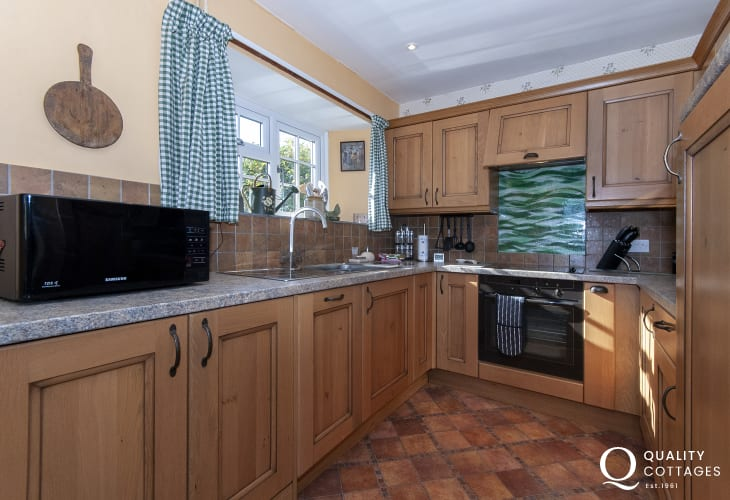 Self catering Solva Valley - modern galley style kitchen