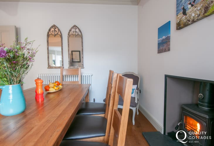 Morfa Nefyn holiday cottage - dining room