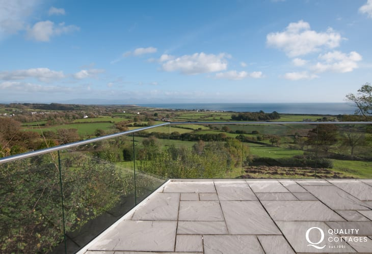 Pwllheli holiday house  - balcony