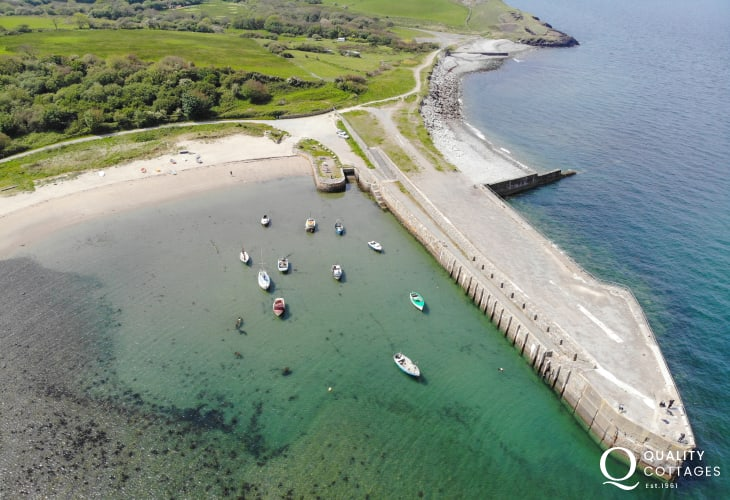 Trefor is an ideal spot from which to go kayaking