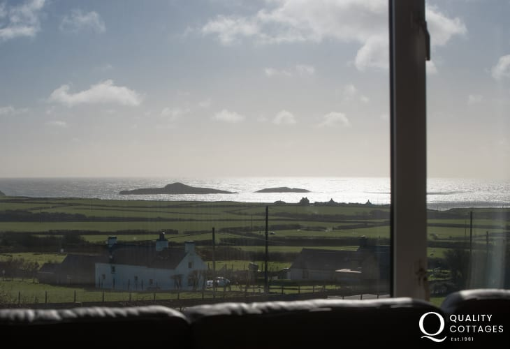 Pet friendly Llyn Peninsula holiday cottage - view