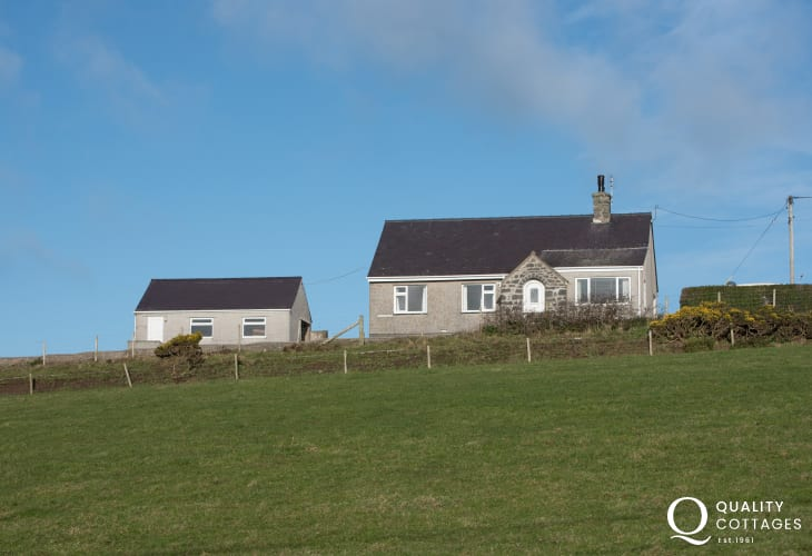 Aberdaron self catering cottage  - exterior