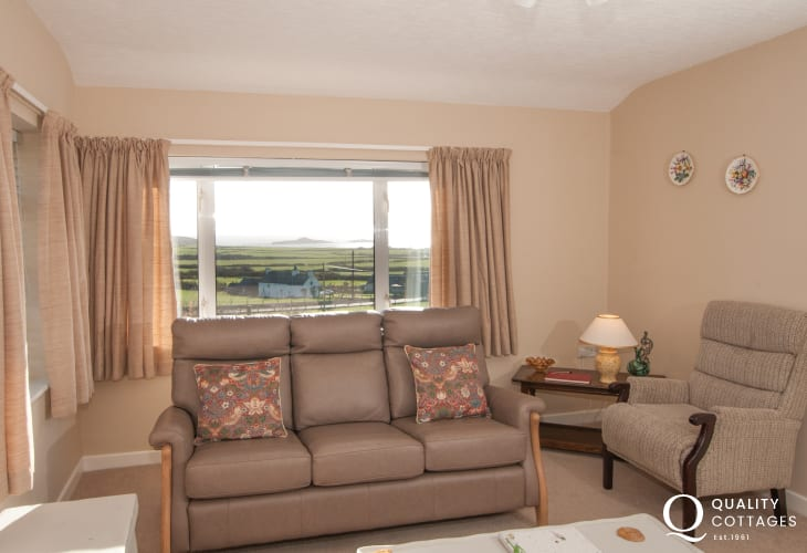 Pet friendly cottage Llyn Peninsula  - lounge