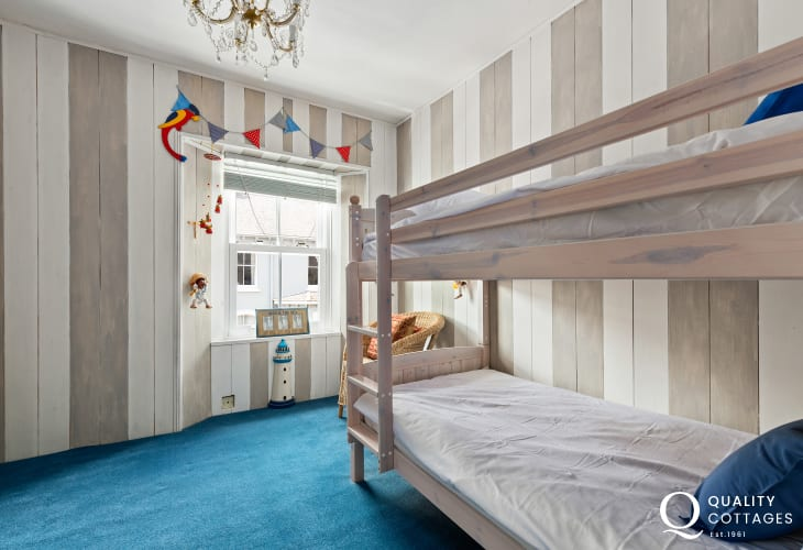 Bunk bed room perfect for children