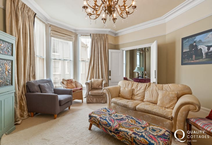 A tasteful touch of antiquity, memories of the Victorian era combined with contemporary comfort