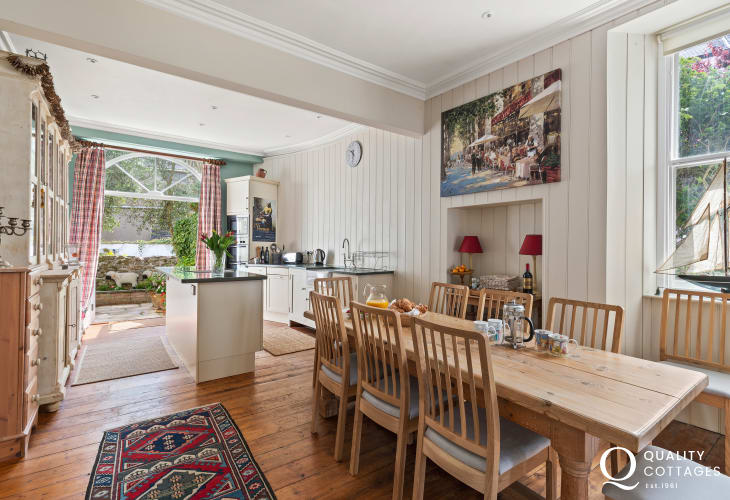 Tenby seaside holiday home large rustic well equipped kitchen & dining area