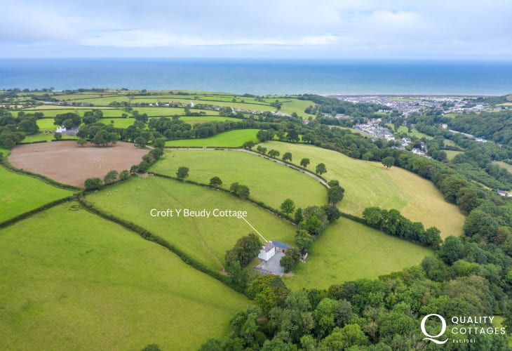 Aerial location view of Croft Y Beudy Cottage