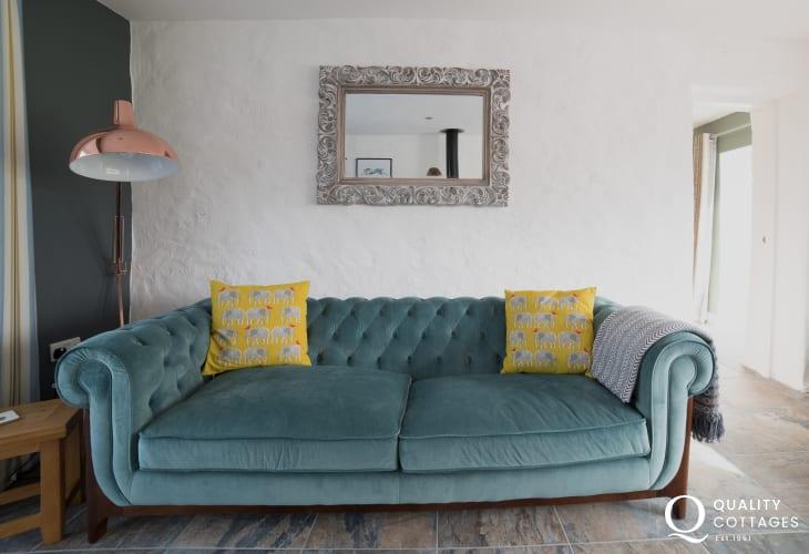 Anglesey holiday cottage  sleeps 6 - lounge