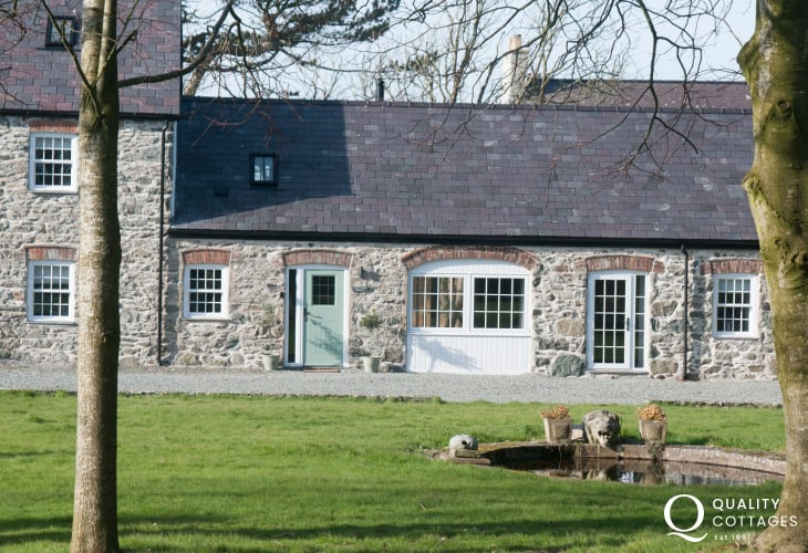 Anglesey holiday cottage  sleeps 6 -  exterior
