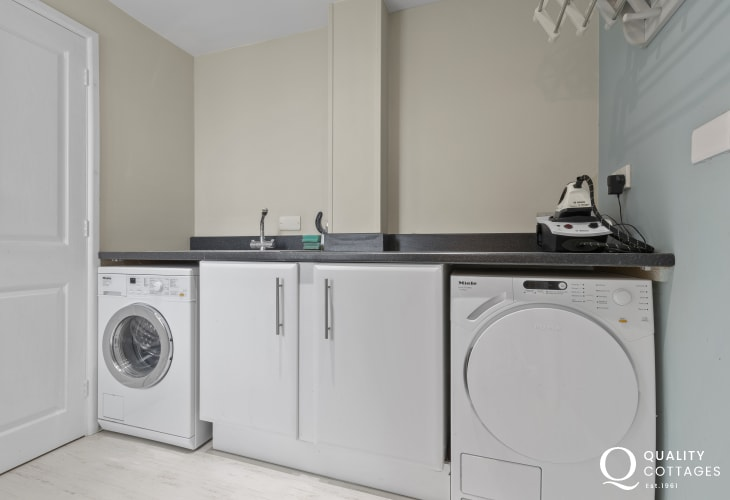 Cardigan Bay; keep a keen eye out for the resident bottlenose dolphins in the Bay - Utility Room Miele washing machine and tumble dryer