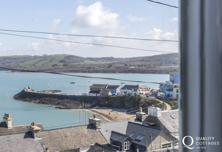 West Wales holiday cottage with panoramic sea views