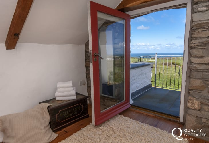 North Pembrokeshire holiday cottage - master bedroom with sea views