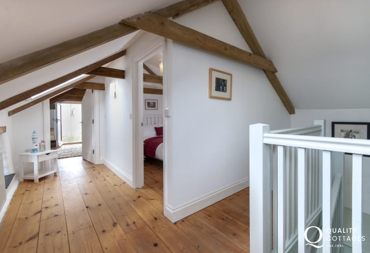 Abercastle holiday cottage - first floor landing