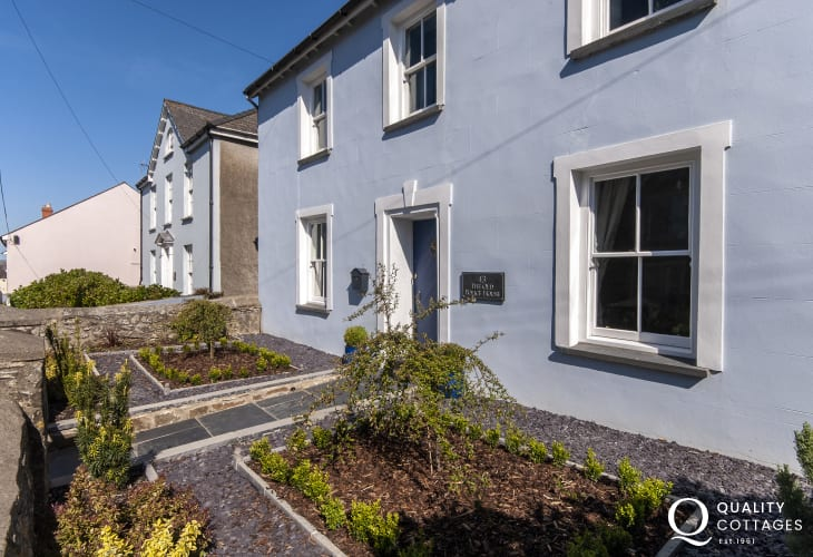 Pet friendly luxury holiday cottage in North Pembrokeshire