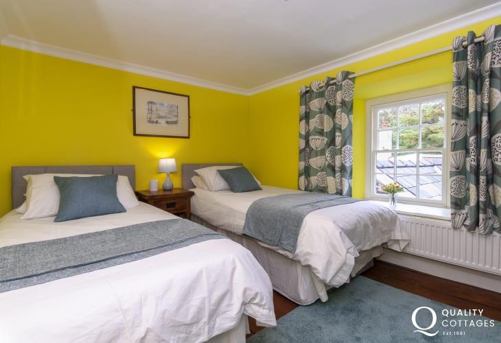 Coastal Pembrokeshire cottage sleeping 7 - twin