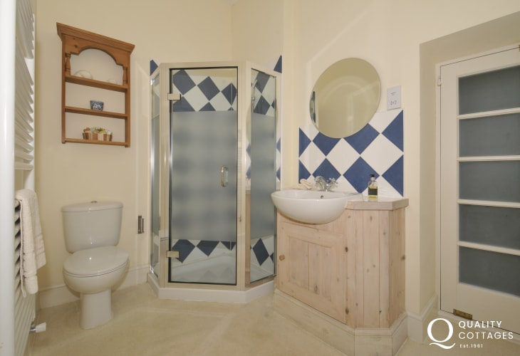 Hay on Wye holiday cottage -  bathroom