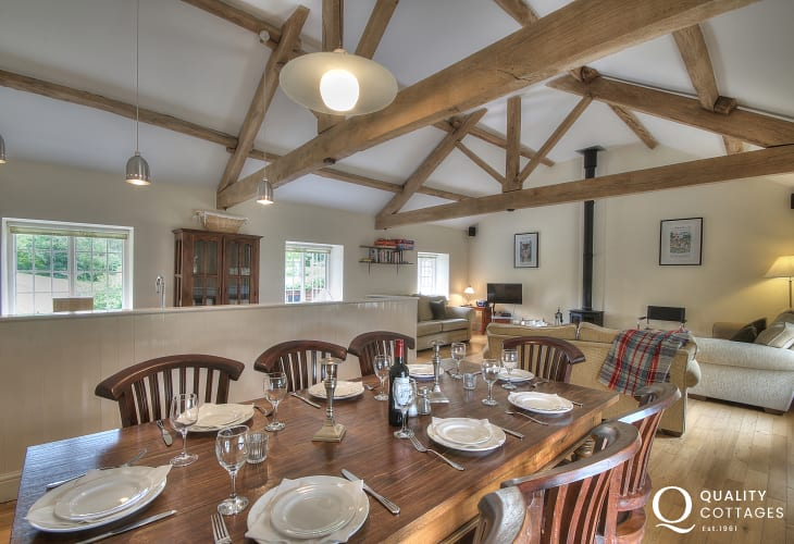 Hay on Wye holiday cottage - dining room