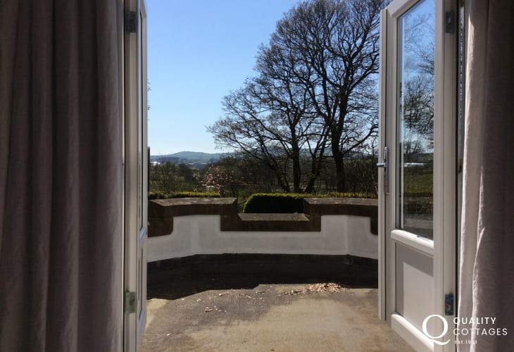 Large holiday house Llyn Peninsula - garden views from double bedroom