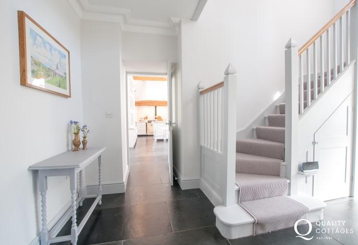 Luxury holiday house north wales sleeps 12  - hall