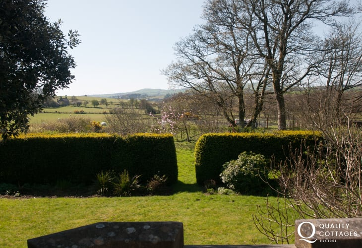 Large holiday house Llyn Peninsula - bedroom garden views